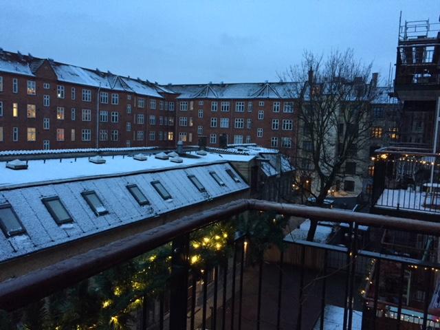 Sne på altanen